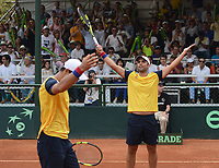 MEDELLIN - COLOMBIA - 08 - 04 - 2017: Juan Sebastian Cabal y Robert Farah de Colombian celebran la victoria sobre Nicolas Jarry y Hans Podlipnik, de Chile, durante partido de la serie final de partidos en el Grupo I de la Zona Americana de la Copa Davis, partidos entre Colombia y Chile, en Country Club Ejecutivos de la ciudad de Medellin. / Juan Sebastian Cabal and Robert Farah of Colombia celebrate the victory against Nicolas Jarry and Hans Podlipnik of Chile, during a match to the final series of matches in Group I of the American Zone Davis Cup, match between Colombia and Chile, at the Country Club Executives in Medellin city. Photo: VizzorImage / Leon Monsalve / Cont.