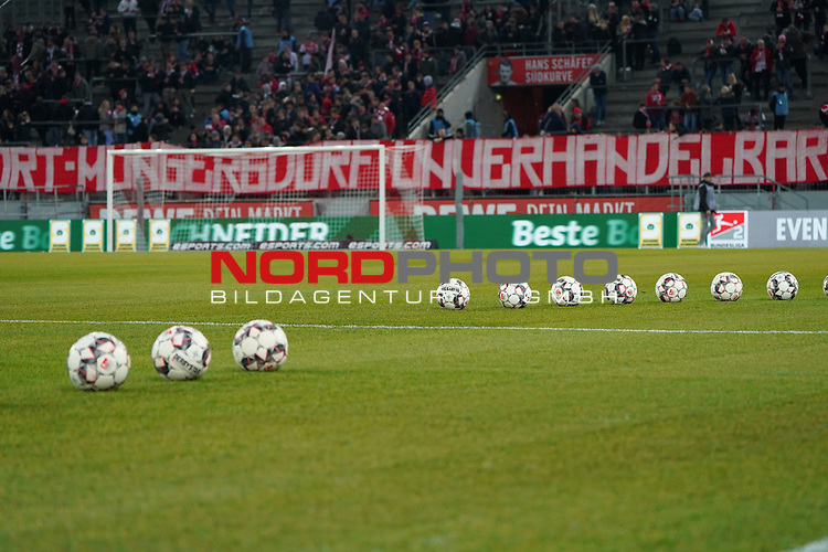 08.02.2019, RheinEnergieStadion, Koeln, GER, 2. FBL, 1.FC Koeln vs. FC St. Pauli,<br />  <br /> DFL regulations prohibit any use of photographs as image sequences and/or quasi-video<br /> <br /> im Bild / picture shows: <br /> Feature Ballanordnung <br /> <br /> Foto © nordphoto / Meuter