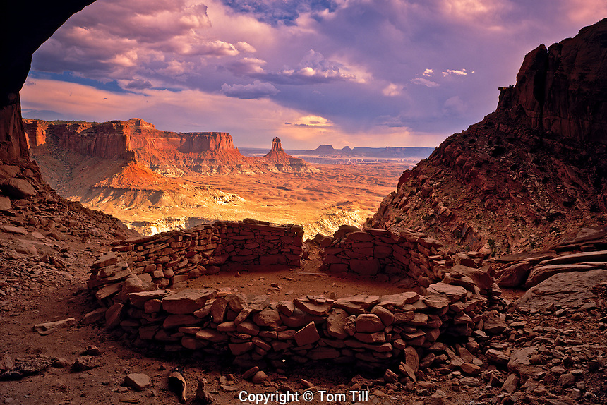 Ruin in a Cave, National Park, Utah, Circular Prayer Circle or Observation site, Green River Canyons Afternoon summer