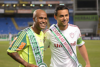 RIO DE JANEIRO, RJ, 12 AGOSTO 2012 - FLUMINENSE X PALMEIRAS - Marcos Assuncao do Palmeiras e o Atacante Fred do Fluminense antes da partida Fluminense x Palmeiras valido pela 16 rodada do Campeonato Brasileiro no Estaio Joao Havelange, Engenhao, neste domingo, 12, na zona norte do rio(FOTO:MARCELO FONSECA / BRAZIL PHOTO PRESS).