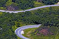 Rodovia dos Tamoios. Caraguatatuba. São Paulo. 2006. Foto de Juca Martins.