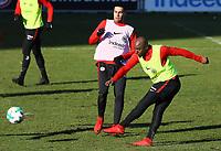 Jetro Willems (Eintracht Frankfurt) zieht ab - 30.01.2018: Eintracht Frankfurt Training, Commerzbank Arena