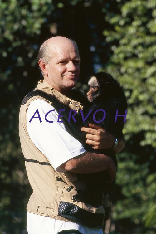 Pesquisador Márcio Ayres ( 1954-2003 ), criador da reserva de Mamirauá, a primeira a trabalhar com o conceito de RDS, Reserva de Desenvolvimento Sustentável. <br /> Centro Nacional de Primatas.<br /> Ananindeua, Pará, Brasil.<br /> Foto Paulo Santos