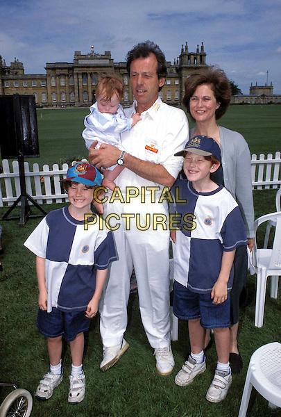 LESLIE GRANTHAM & Family.Ref: 2933.www.capitalpictures.com.sales@capitalpictures.com.©Capital Pictures.dirty den