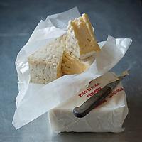 France, Calvados (14), Pays d' Auge,  Pavé d'Auge // France, Calvados, Pays d' Auge,  Pavé d'Auge cheese