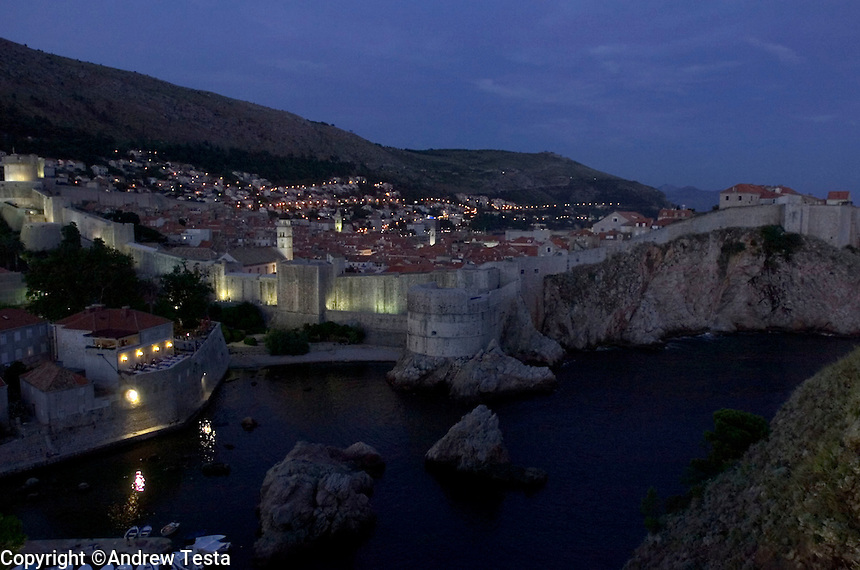 CROATIA. Dubrovnik. August 2004..View of Dubrovnik. Nautica Restaurant is bottom left of picture..©Andrew Testa for the New York Times