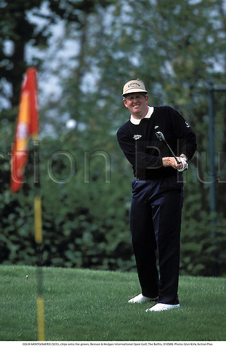 COLIN MONTGOMERIE (SCO), chips onto the green, Benson & Hedges International Open Golf, The Belfry, 010509. Photo: Glyn Kirk/Action Plus...2001.chipping chip.pitching pitch.golfer golfers