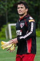 SÃO PAULO, SP, 07 DE OUTUBRO DE 2013 - TREINO SAO PAULO - O jogador Aloisio, durante treino do São Paulo, no CT da Barra Funda, região oeste da capital, na tarde desta segunda feira, 07.  FOTO: ALEXANDRE MOREIRA / BRAZIL PHOTO PRESS