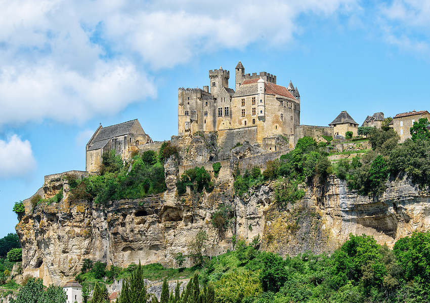 A closeup of the Château de Beynac, a 12th century château overlooking the Dordogne River. It was held by the French during the Hundred Years' War, and was once the home of Richard the Lionheart, who held the title of Baron of Beynac during the time he was King of England (1189-1199).