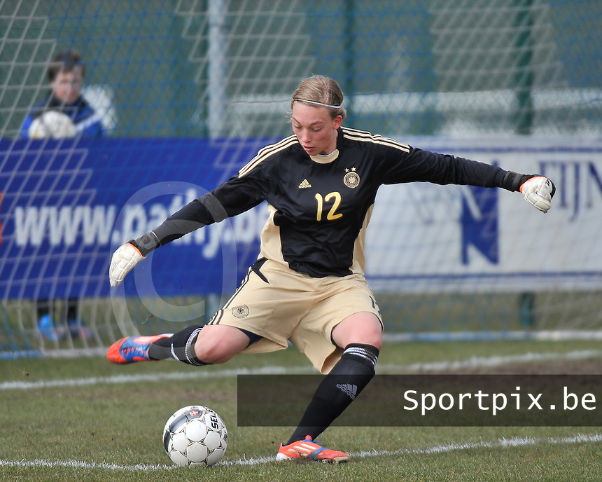 Belgie U17 - Duitsland U17 : Julia Gornowitz (GK).foto DAVID CATRY / Vrouwenteam.be