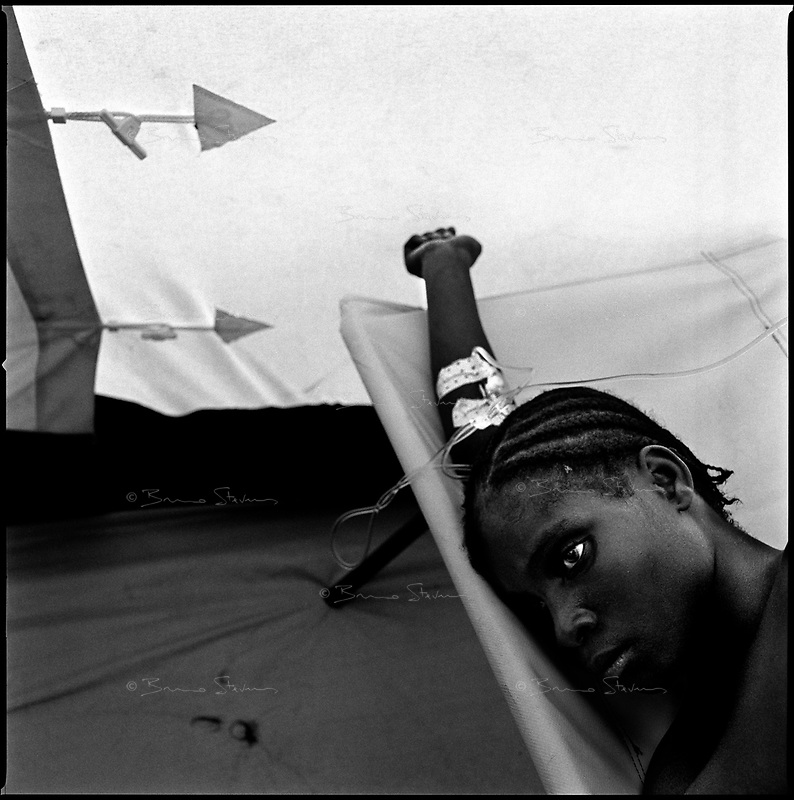 Luanda, Angola, May 21, 2006.Elisa, 21, is a patient at the Cazenga MSF operated cholera field clinic. Between February and June 2006, more than 30000 people were infected with cholera in Angola's worse outbreak ever; more than 1300 died.