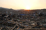 March 29, 2011, Minamisanriku, Miyagi, Japan - The town is still in ruins more than two weeks after the tsunami. In the hamlet of Shizugawa, the sun sets on the wreckage. (Photo by Wesley Cheek/AFLO) [3682]