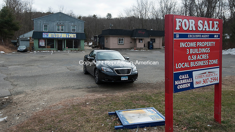 WATERBURY, CT--- -010816JS03--The former Bottle Stop Wine and Spirit shop and Roxy's Nightclub are for sale in the Burrville section of Torrington. <br /> Jim Shannon Republican-American