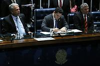 Brasília (DF), 03/07/2019 - Política / Reunião Comissão de Relações Exteriores -  Davi Alcolumbre (DEM/AP), Presidente do Senado, durante sessão solene do Congresso Nacional de promulgação da emenda constitucional n° 101 de 2019, que estende aos militares dos Estados, do DF e dos Territórios o direito à acumulação de cargos públicos prevista no Art. 37 da Constituição Federal, nesta quarta-feira, 3. (Foto Charles Sholl/Brazil Photo Press/Agencia O Globo) Politica