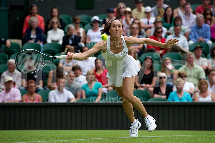 Jelena Jankovic (SRB) plays her match against Laura Robson (GBR). The Wimbledon Championships 2010 The All England Lawn Tennis & Croquet Club  Day 1 Monday 21/06/2010