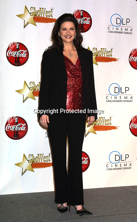 ©2003 KATHY HUTCHINS / HUTCHINS PHOTO.SHOWEST AWARDS.LAS VEGAS, NV.MARCH 6, 2003.CATHERINE ZETA-JONES