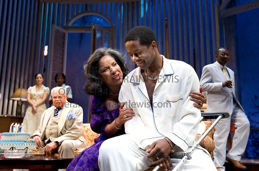 Cat On A Hot Tin Roff by Tennessee Williams,directed by Debbie Allen.With James Earl Jones as Big Daddy , Phylicia Rashad as Big Mama, Adrian Lester as Brick. Opens at The Novello Theatre on 1/12/09.  Credit Geraint Lewis