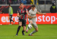 David Abraham (Eintracht Frankfurt) gegen Lucas Alario (Bayer Leverkusen) - 18.10.2019: Eintracht Frankfurt vs. Bayer 04 Leverkusen, Commerzbank Arena, <br /> DISCLAIMER: DFL regulations prohibit any use of photographs as image sequences and/or quasi-video.