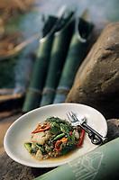 """Asie/Thaïlande/Petchabun : Cuisson de la dorade dans les pousses de bambou - Recette du restaurant de """"l'Imperial Phu Kaew Resort"""""""