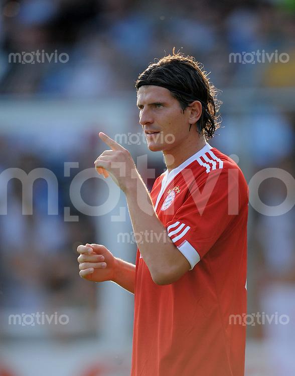 FUSSBALL  1. BUNDESLIGA    Testspiel  Saison 2009/2010    21.07.2009 Stuttgarter Kickers -  FC Bayern Muenchen  Mario Gomez (FCB)