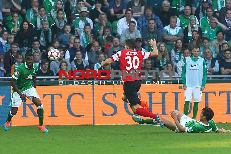 04.10.2014, WeserStadion, Bremen, GER, 1.FBL, SV Werder Bremen vs SC Freiburg, im Bild Santiago Garcia (Bremen #2) kl&auml;rt den Ball <br /> <br /> Foto &copy; nordphoto / Schrader