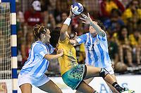 TORONTO, CANADA, 24.07.2015 - PAN-HANDBALL - Ana Paulo Rodrigues do Brasil durante partida contra Argentina na final do Handball Feminino no Centro de Exposições de Toronto nesta sexta-feira, 24. (Foto: William Volcov/Brazil Photo Press)