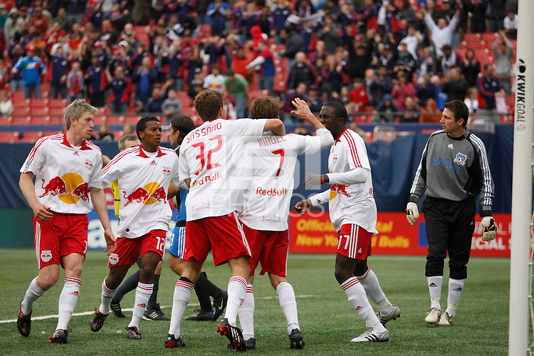 New York Red Bulls forward Mike Magee (7) celebrates scoring the game winning goal with teammates in front of San Jose Earthquakes goalkeeper Joe Cannon (1). The New York Red Bulls defeated the San Jose Earthquakes 2-0 during a Major League Soccer match at Giants Stadium in East Rutherford, NJ, on April 27, 2008.