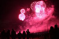 BOGOTA - COLOMBIA, 06-08-2017: Con juegos pirotécnicos en el Parque Simón Bolívar, la capital de Colombia celebró sus 479 años de fundación. / With fireworks at Simón Bolívar Park the capital of Colombia celebrated its 479 years of foundation. Photo: VizzorImage / Felipe Caicedo / Staff