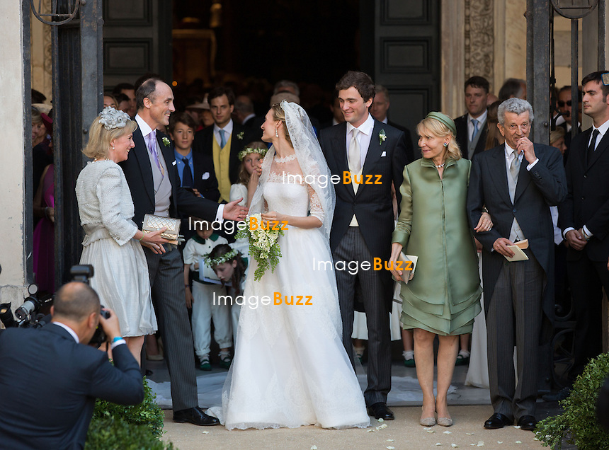 Princesse Astrid de Belgique, Elisabetta Maria Rosboch von Wolkenstein, Prince  Amedeo de Belgique, Lilia Rosboch von Wolkenstein et Ettore Rosboch von Wolkenstein  - Mariage du Prince Amedeo de Belgique et de Elisabetta Maria Rosboch von Wolkenstein, &agrave; la basilique de Santa Maria in Trastevere, &agrave; Rome.<br /> Italie, Rome, 5 juillet 2014.<br /> Princess Astrid of Belgium, Prince Amedeo of Belgium,, Elisabetta Maria Rosboch von Wolkenstein, Prince Amedeo of Belgium,  Lilia Rosboch von Wolkenstein, Ettore Rosboch von Wolkenstein   - Wedding of HRH Prince Amedeo of Belgium, Elisabetta at the basilic of Santa Maria in Trastevere, in Rome.<br /> Italy, Rome, July 5, 2014.