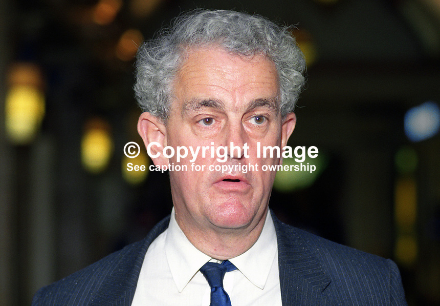 Tam Dalyell, MP, Labour Party, Linlithgow, UK, 19901008004.<br />