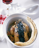 "Europe/Suisse/Saanenland/Schönried: Coquelet du Saanenland piqué aux truffes - Recette de Michel Von Siebenthal-Buck chef de ""L'Alpenrose"""