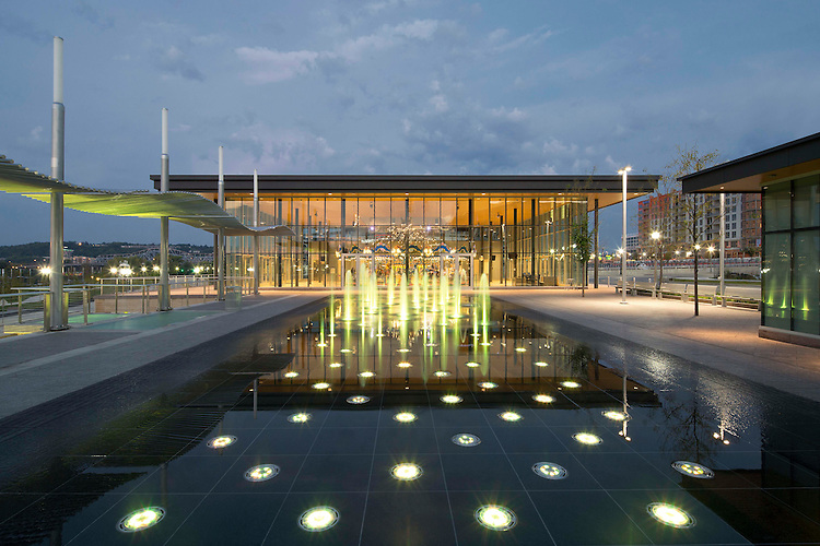 Carol Ann's Carousel House at the Smale Riverfront Park | Sasaki Architects