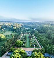 France, Loir-et-Cher (41), Cellettes, Château de Beauregard et le parc, Jardin des Portraits imaginé par Gilles Clément (vue aérienne)