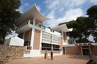 France, Provence-Alpes-Côte d'Azur, Saint-Paul-de-Vence: Maeght Foundation modern art museum | Frankreich, Provence-Alpes-Côte d'Azur, Saint-Paul-de-Vence: Modern Art Museum der Maeght Foundation