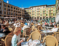 Spanien, Balearen, Mallorca, Palma de Mallorca: Cafes auf dem Placa Major | Spain, Balearic Islands, Mallorca, Palma de Mallorca: Cafes at Placa Major