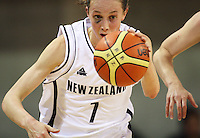 Tall Ferns forward Toni Edmondson during the International women's basketball match between NZ Tall Ferns and Australian Opals at Te Rauparaha Stadium, Porirua, Wellington, New Zealand on Monday 31 August 2009. Photo: Dave Lintott / lintottphoto.co.nz