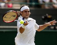 3-7-06,England, London, Wimbledon, forth round match, Ferrer