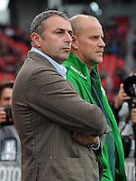 FUSSBALL   1. BUNDESLIGA   SAISON 2011/2012    2. SPIELTAG Bayer 04 Leverkusen - SV Werder Bremen              14.08.2011 Manager Klaus ALLOFS (li) und Trainer Thomas SCHAAF (re, beide SV Werder Bremen)