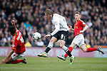 Jeff Hendrick of Derby shoots at goal during the Skybet Championship match at the iPro Stadium. Photo credit should read: Philip Oldham/Sportimage