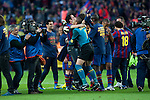 BARCELONA (16/05/2010).- Barcelona players celebrate Spanish League Championship at Camp Nou Stadium. Victor Valdes and Xavi Hernandez...Photo. Gregorio / ALFAQUI