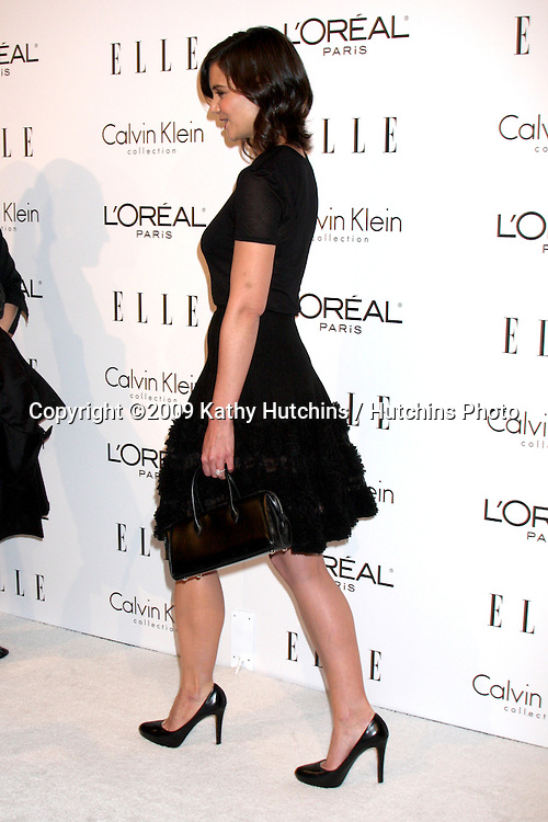 Katie Holmes.arriving at the 16th Annual Women in Hollywood Tribute Sponsored by ELLE.Beverly Hilton Hotel.Los Angeles,  CA.October 19, 2009.©2009 Kathy Hutchins / Hutchins Photo.