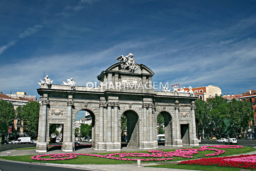 Monumento Puerta de Alcala na Plaza de la Independencia. Madri. Espanha. 2007. Foto de Marcio Nel Cimatti.