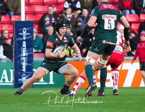 4th November 2017, Welford Road, Leicester, England; Anglo-Welsh Cup, Leicester Tigers versus Gloucester;  Charlie Thacker makes a break for Leicester Tigers