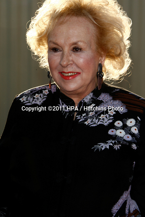 LOS ANGELES - OCT 29:  Doris Roberts arriving at the 18th Annual 'Dream Halloween Los Angeles' at Barker Hanger on October 29, 2011 in Santa Monica, CA