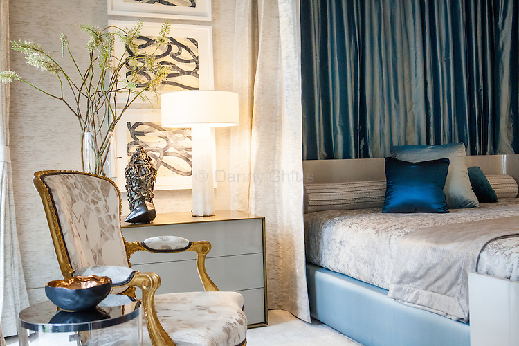 The Kips Bay Decorator Show House invited twenty one designers and architects to transform a luxury Manhattan townhouse for a benefit to the Kips Bay Boys & Girls Club. <br /> <br /> Pictured, design by Drake/Anderson<br /> <br /> <br /> Danny Ghitis for The New York Times