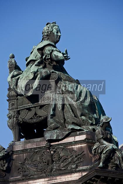 Europe/Autriche/Niederösterreich/Vienne: Statue à la gloire de l'Impératrice d'Autriche: Marie Thérèse sur la Maria-Theresien-Platz,