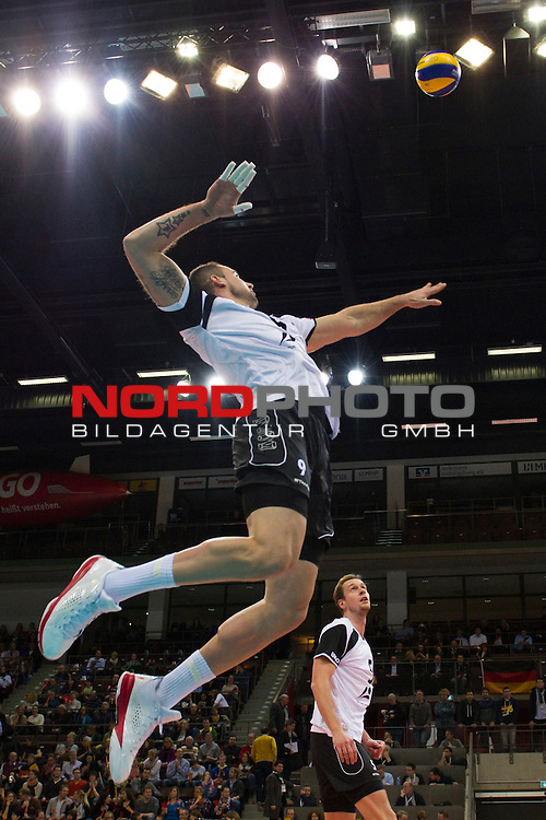05.01.2014, MHP Arena, Ludwigsburg<br /> Volleyball, Qualifikation WM 2014, Deutschland vs. T&uuml;rkei / Tuerkei<br /> <br /> Angriff Georg / Gy&ouml;rgy / Gyoergy Grozer (#9 GER)<br /> <br />   Foto &copy; nordphoto / Kurth