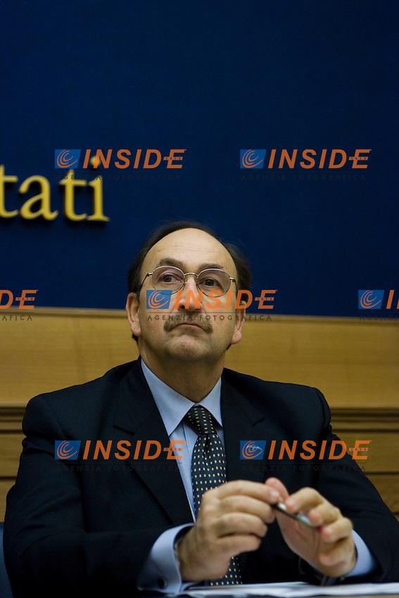 Felice Bellisario  ..Camera dei Deputati Conferenza stampa dell'Italia dei Valori per presentare gli Emendamenti della Manovra Finanziaria ..Photo  Insidefoto..............................