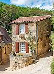 A beautiful stone house in the village of Beynac-et-Cazenac