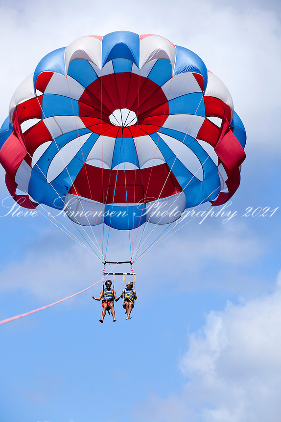 Parasailing<br />